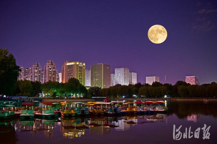 河北石家庄:十五的月亮十五圆