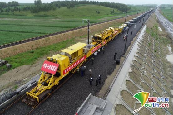 牡佳高铁全线进入铺轨施工阶段